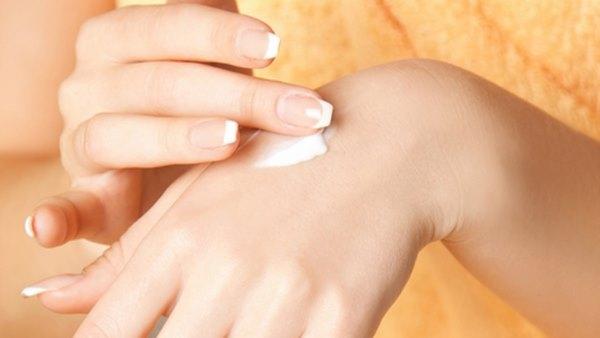 Soffri di dermatite? Ecco come trattarla