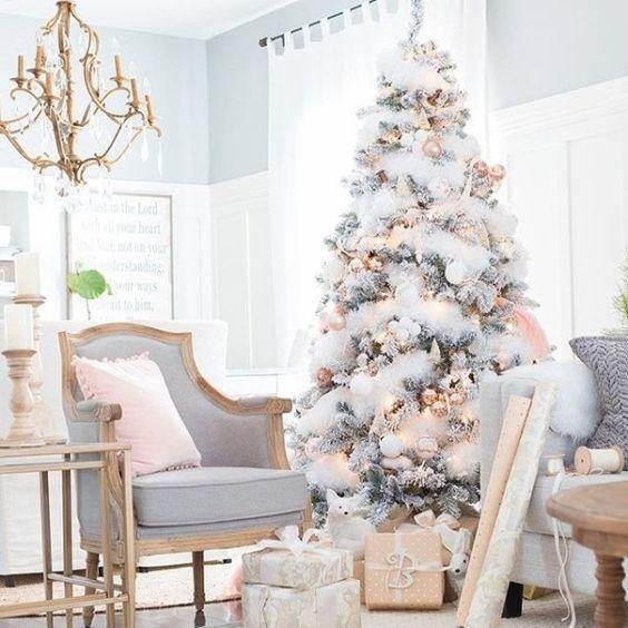 Come addobbare casa per Natale: idee lampo dall'ingresso alla camera da letto